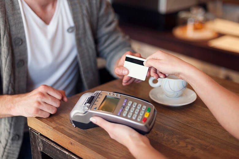 Vale a Pena Fazer Uma Compra Parcelada Sem Juros no Cartão?